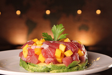 Tarta de Atún con mango y aguacate