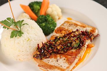 Filete de pescado estilo La Marea